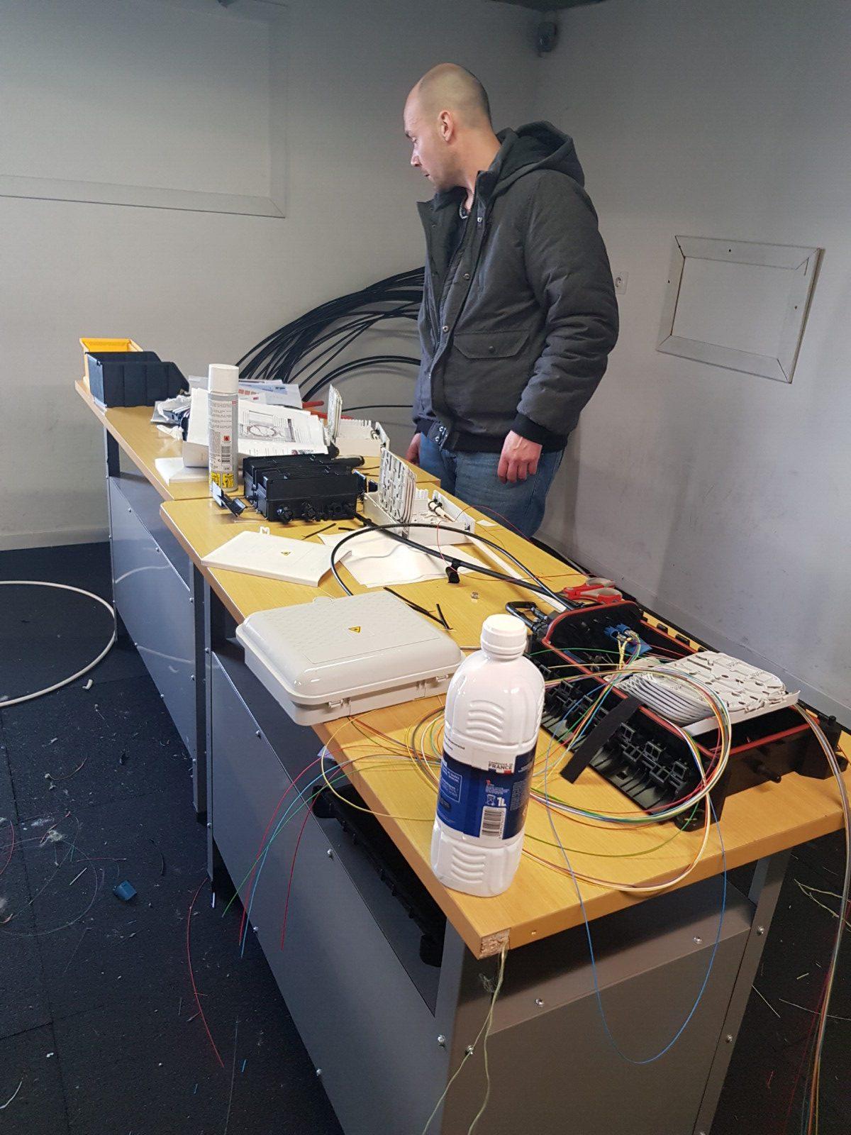 Evaluation de la formation fibre optique d'un stagiaire sur le plateau technique de Limoges